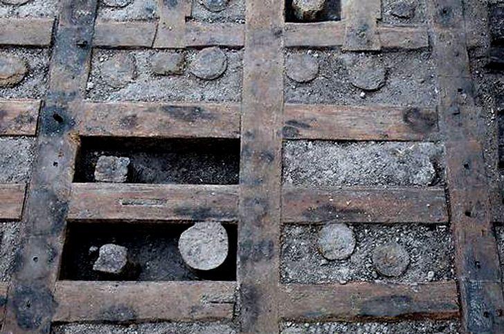 Antikes-Holz-001